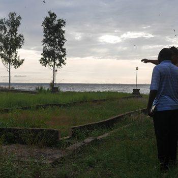 Tonton Bilé et Mahery à Aby en Côte d'Ivoire