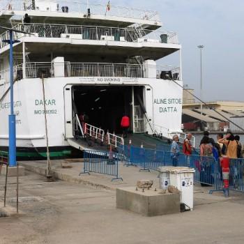 Ferry, Dakar